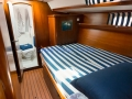 8 persons yacht charter greek islands