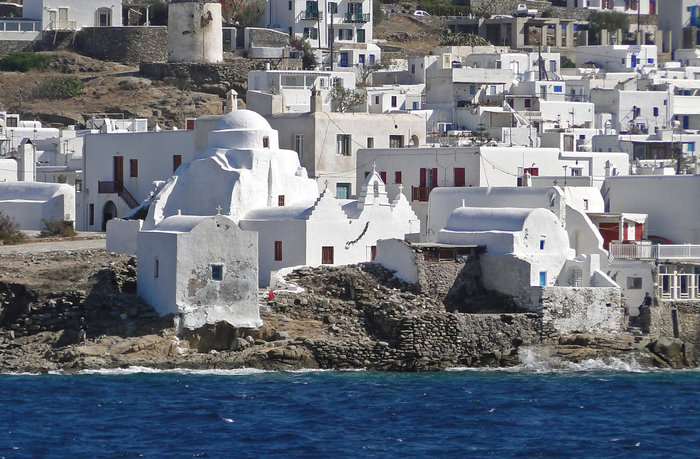 best time for your sailing holidays in greece