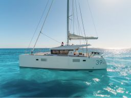 catamaran charter trip greece
