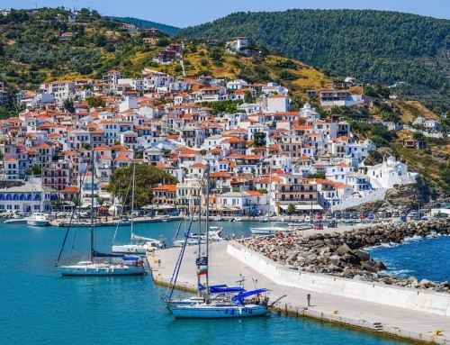Where to go for sailing vacations in Greece?